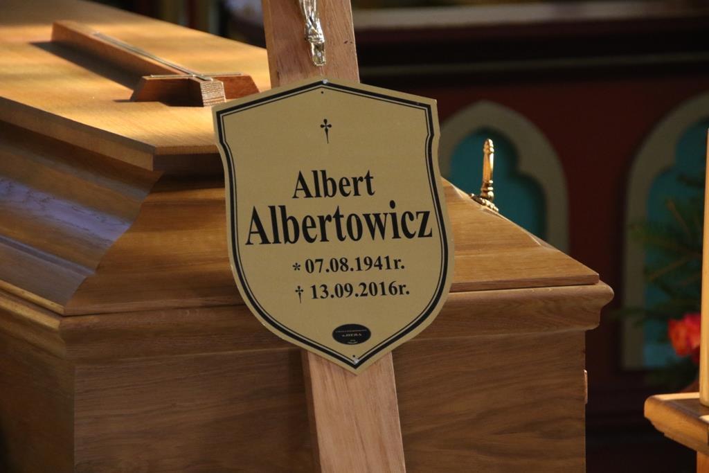 Odszedł Albert Albertowicz