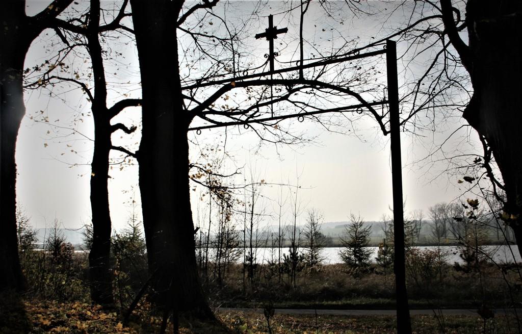 1 listopada to Dzień Wszystkich Świętych. To święto to czas refleksji i zadumy.